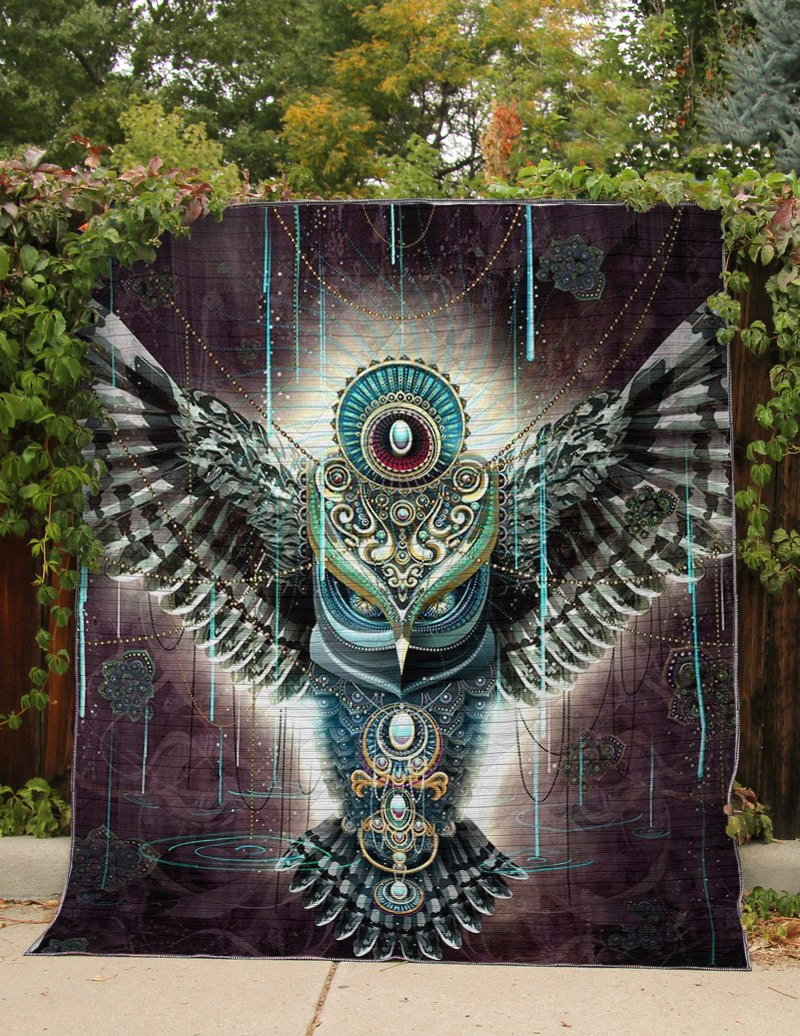 Electro owl all over printed quilt 2