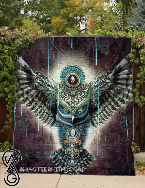 Electro owl all over printed quilt