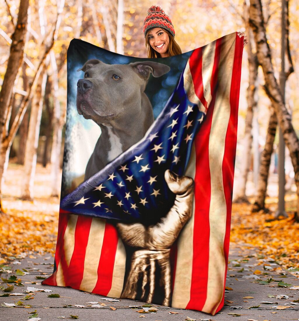 Pitbull behind the american flag blanket 1