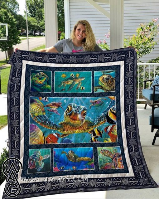 Save the sea turtle cotton quilt