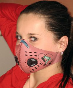 Hair salon hairstylist with carbon pm 2,5 face mask 1