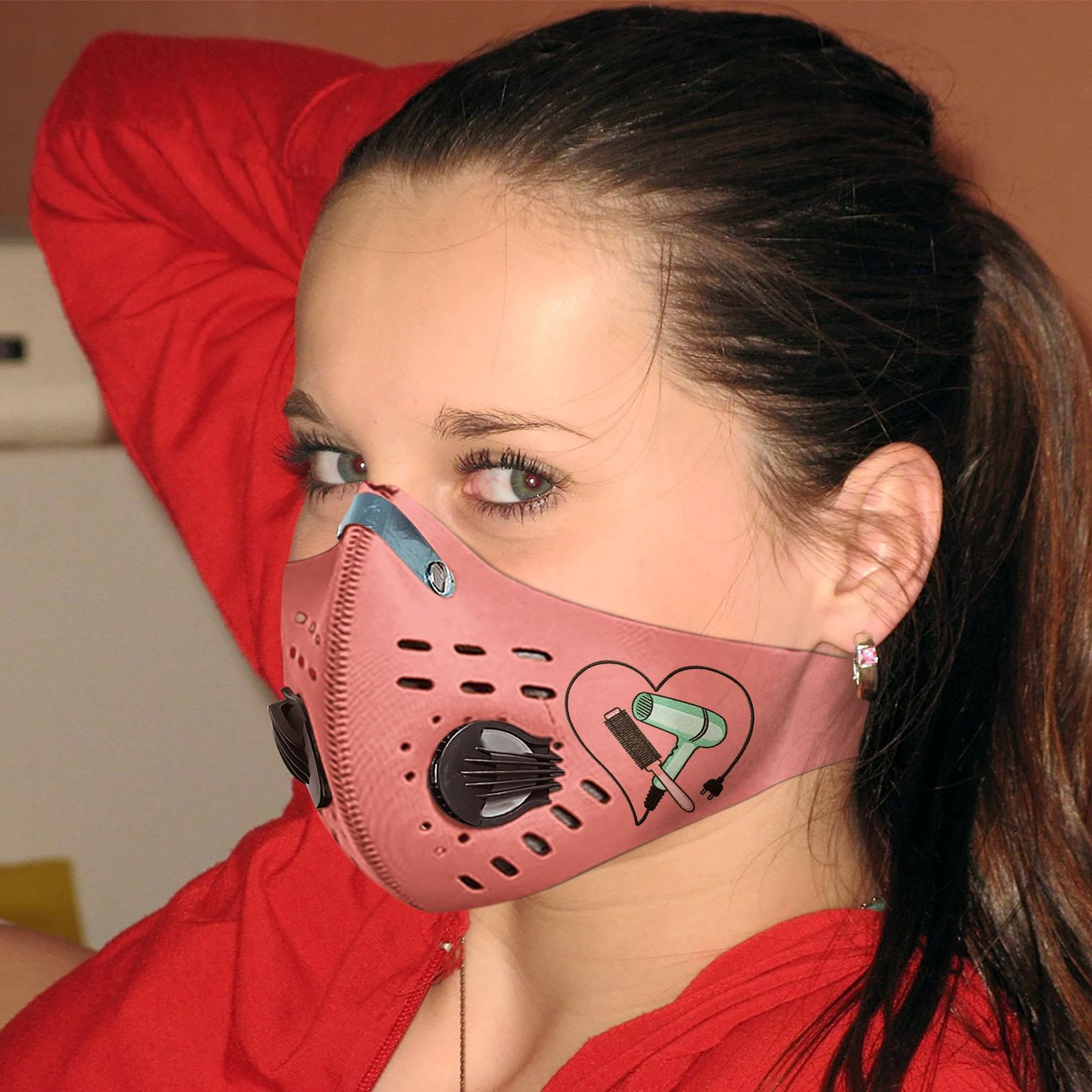 Hair salon hairstylist with carbon pm 2,5 face mask 2