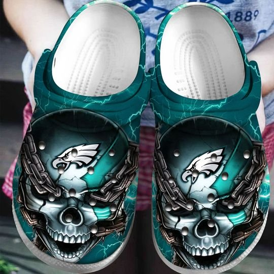 skull philadelphia eagles football crocs 1
