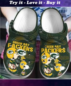 snoopy and charlie brown green bay packers crocs