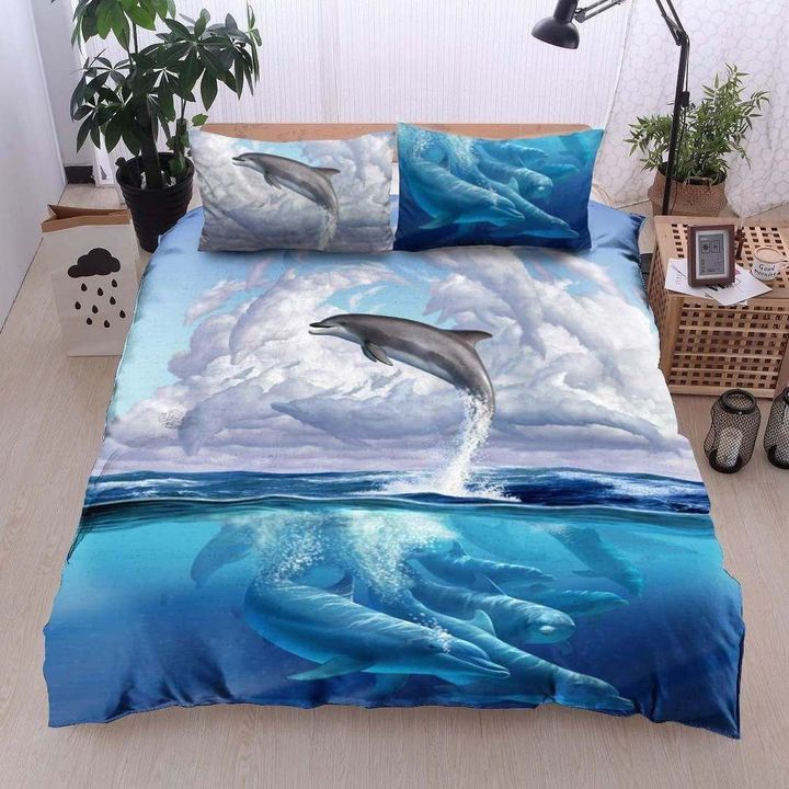 dolphin and the sea all over printed bedding set 4