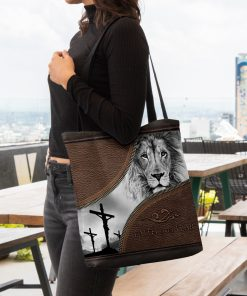 faith over fear lion Jesus leather pattern all over printed tote bag 4