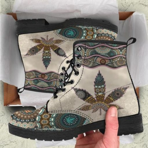 mandala weed leaf all over printed winter boots 2
