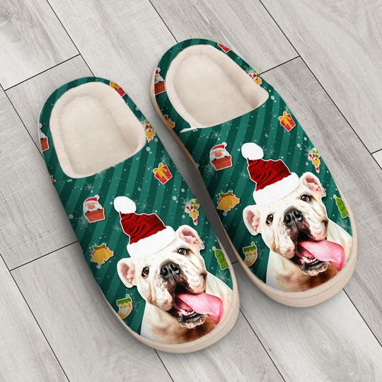 the bulldog with santa hat all over printed slippers 3