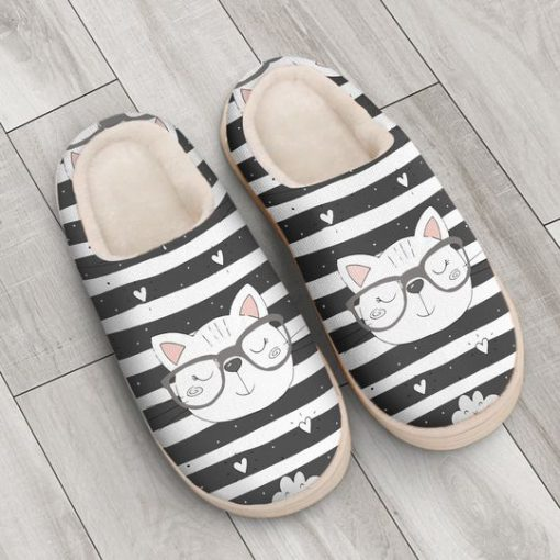 the cat with glasses all over printed slippers 3