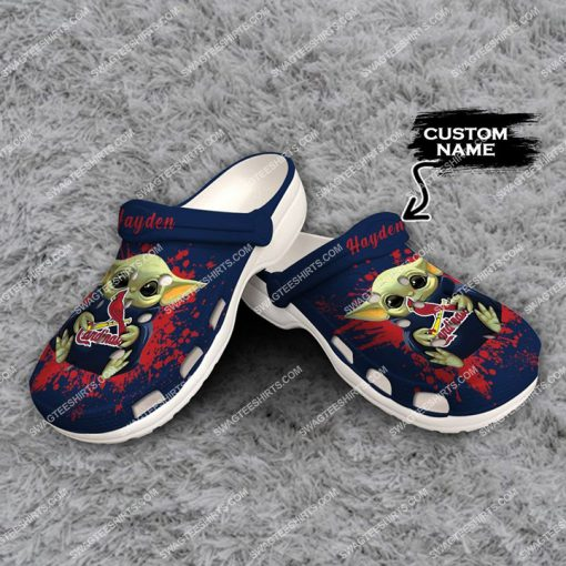 custom baby yoda hold st louis cardinals all over printed crocs 2(1)