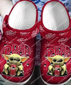 dr pepper and baby yoda all over printed crocs 4(1)