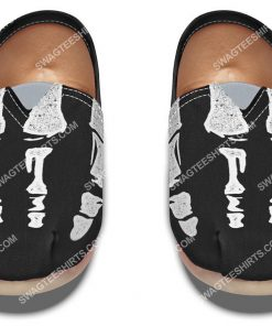 retro skeleton hands all over printed toms shoes 2(1)
